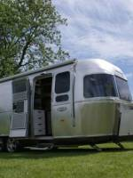 Airstream Series 2 International 684 Caravan_1