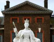 A sculpture of Queen Victoria