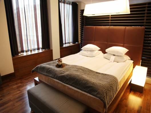 $88 USD for Room Service – Hotels in Helsinki Turn Out to be the Costliest!
