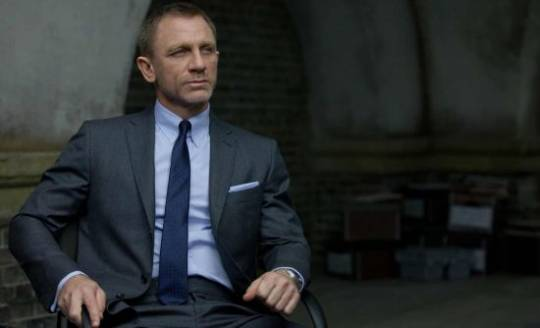 James Bond's Tom Ford collar shirt from SkyFall