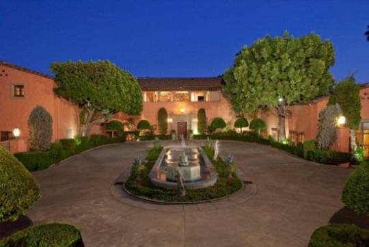 Beverly Hills' Beverly House on Rental
