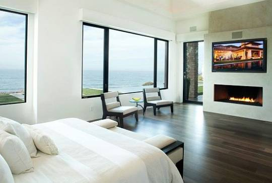 Marisol Malibu Beach house bedroom view