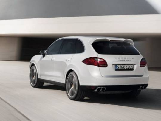 Porsche Introduces New Cayenne Turbo S with 550 hp for $146,000
