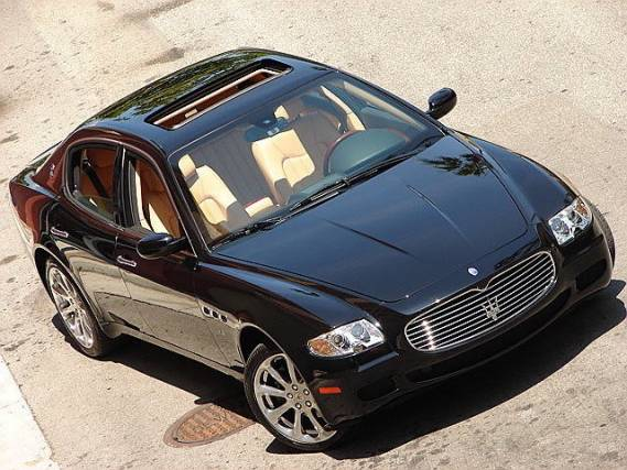 photo of Bono Maserati Quattroporte - car