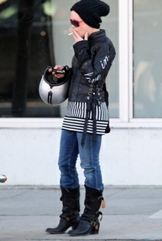 Pink was seen wearing Fiorentini & Baker Bean Black Leather Boots
