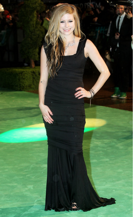 Avril took everyone's attention at the Odeon Theatre, after she was seen wearing a black Dolce and Gabbana Satin Gown.