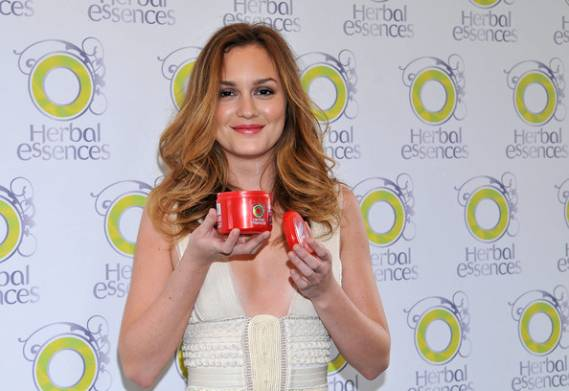 Leighton Meester donate clothes for cancer charity auction