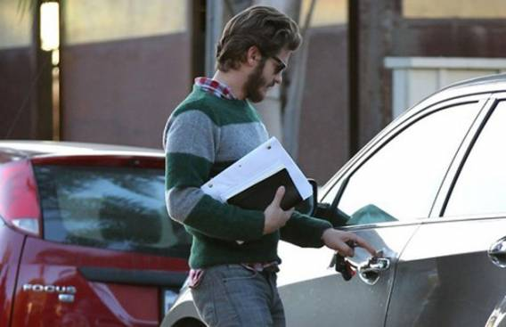 Andrew Garfield drives Chevrolet Equinox LTZ