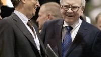 Warren Buffett Makes a $2 Billion Donation to Bill Gates Foundation