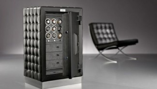 Doettling's limited edition safe inspired from the Barcelona Chair