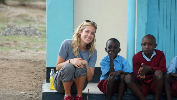 Ms.Cavallari is particularly concerned about the cause of children. Thus, she visited Kenya and shopped at Fred Segal store in Los Angeles for the benefit of the OneKid OneWorld organization.