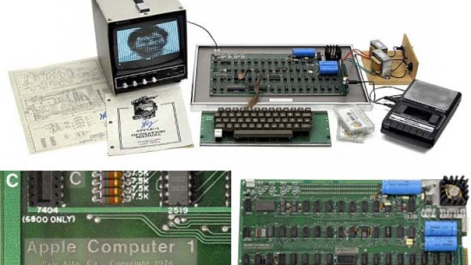 1976 Apple 1 Computer Sells for $640,000 at Auction Team Breker