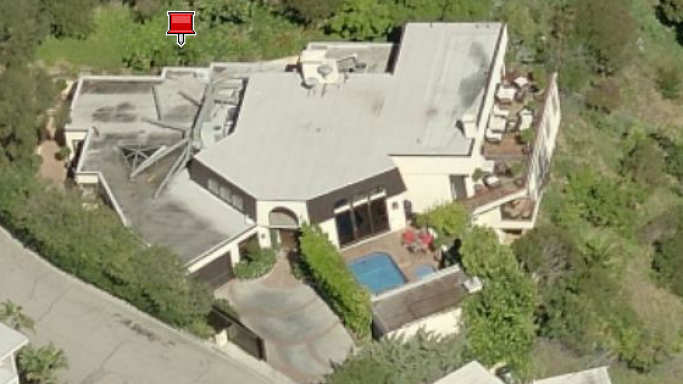 photo: house/residence of sexy 3 million earning Los Angeles, California, United States-resident