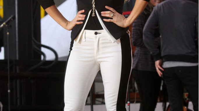 Carrie Under wood donned the Rag and Bone skinny jeans, with contrasting panels at the sides and logo stitched at the patch back pocket