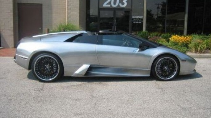 Swizz Beatz drives Lamborghini Murciélago