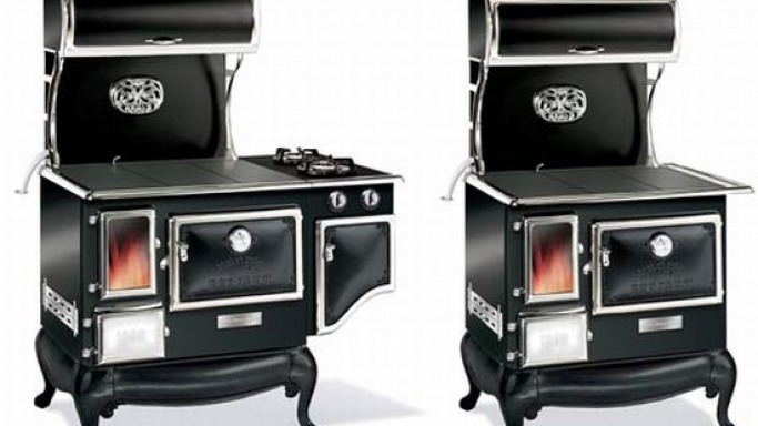 Enjoy old-fashioned wood cooking with the Fireview cookstove
