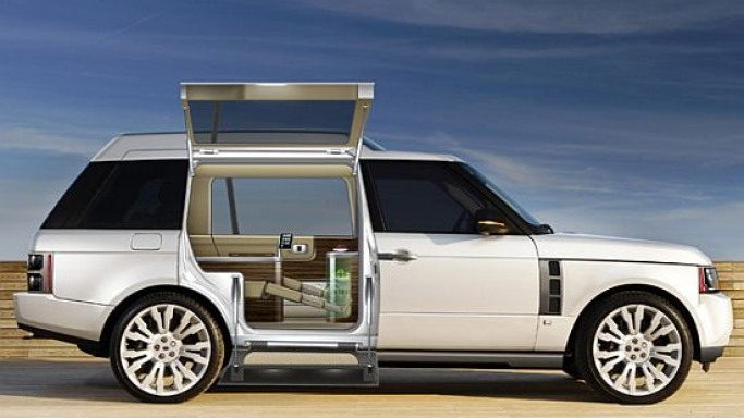 Design Q to transform VIP travel in the Middle East with Q-VR Range Rover