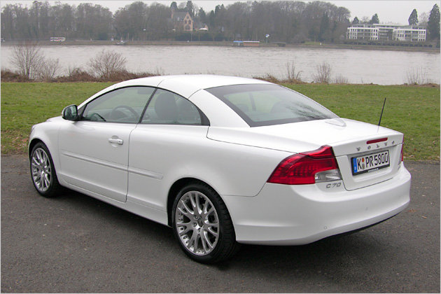 Volvo C70 - Bornrich , Price , Features,Luxury factor, Engine, Review,Top Speed, Mileage and ...